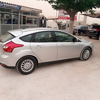 Vente de voiture d'occasion Ford focus SE 2012